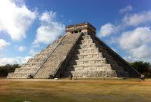Ruines Mayas / Des photos prises sur différents sites de ruines mayas, au Mexique, au Guatemala et au Honduras.