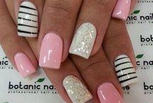 Pretty Pretty Nails / by Rachel