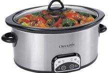 Slow Cooker (CrockPot) Recipes / Love homemade meals, but short on time? Come home to a delicious, slow cooker meal that the whole family will love. Use leftovers for school and office lunches.
