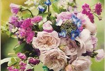 Çiçekli dilekler!  / Çiçekler kadar renkli bir hayatınız olması dileğiyle!  #esçiçek #çokyakında #rengarenk #escicekcom #çiçektasarım #perşembe #çiçeğinyeniesintisi