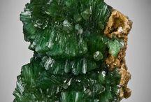 Raw stones / Crystals