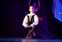Young Stars Ballet Competition / Young Stars Ballet Competition is the only ballet and contemporary dance competition in Romania that offers young dancers real opportunity to win scholarships in some of the most famous ballet schools in Europe and USA.
