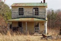 ARCHITECTURE - Abandoned Architecture / by Adriana Contreras