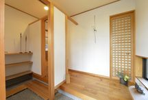 玄関 / 愛知県安城市でお客様の楽しい家づくりのお手伝いをしているナルセコーポレーションのフォトギャラリーです。自然素材、広がり間取りの「香りの家」 新築、注文住宅のご相談を受け付けております。