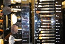 03 - Maquillage MAC / by Chocolate & Wedding