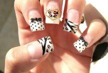 Nails nails nails / by Tifani Roye