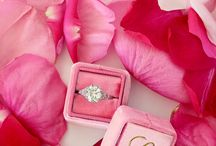 Ring photography ideas / Rings photography, ring boxes, vintage ring boxes, photo of the rings, wedding photos, rings photos, wedding ideas, wedding decor, wedding rings, engagement rings