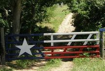 Outdoor - Gates & Fences / by Bill and Stephanie Norman