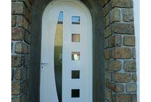 Portes d'entrée et intérieur