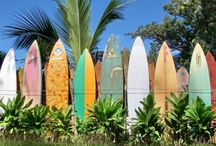Paia / Paia is a quaint surfer town on the north shore of Maui, Hawaii.
