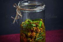 Pickles, chutneys & sauces