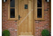 BR02 Gothic Arched Oak Door