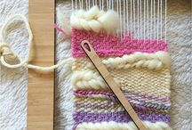 Weaving / Weaving on small looms.