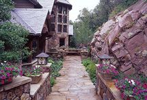 Gardens and Walkways / by Christie Roush