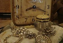 Vintage Clocks & Keys / by Faye