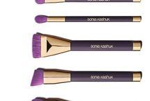 makeupandbrush