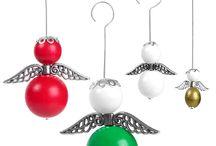 Joulukoristeet 2014 / Tee itse joulukoristeet: puuenkelit, kranssit puuhelmistä ja lumihiutaleet teräslankapohjiin tai siimalla SUPERDUO-helmistä.