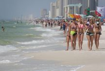 Spring Break Panama City Beach, Florida / Everyone's having fun during Spring Break in Panama City Beach, Florida!  New restrictions on alcohol on the beach during March have made Spring Break really nice and relaxing for breakers and locals as well!