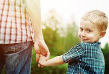Οικογενειακή Θεραπεία / Η Οικογενειακή Θεραπεία είναι μία διεθνώς αναγνωρισμένη αποτελεσματική θεραπεία για την αντιμετώπιση ποικίλλων. παιδοψυχιατρικών προβλημάτων. H Οικογενειακή Θεραπεία στηρίζει τις μεθόδους της στην άποψη ότι τα μέλη ενός συστήματος (όπως είναι η οικογένεια, μία σχολική τάξη ή μία επιχείρηση) βρίσκονται σε μία συνεχή αλληλεπίδραση, η οποία έχει ως αποτέλεσμα η συμπεριφορά του ενός να επηρεάζει και να επηρεάζεται από τη συμπεριφορά των άλλων.