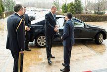 Învestirea domnului Eduard Hellvig în funcția de director al SRI / Preşedintele României, domnul Klaus Iohannis, l-a învestit pe domnul Eduard Hellvig în funcţia de director al SRI. http://bit.ly/1BQXrWE