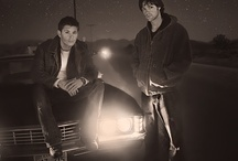 Saving People. Hunting things. The family buisness. / Supernatural