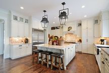 Houses/Decorating/Kitchens / by Starla Padgett