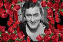 Pretty photo frames for John Barrymore / John Barrymore had blue eyes and brown hair. He was handsome and roguish. He was the most handsome man on earth.