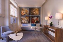 Hotel Le Walt / « Moi l'artiste, le pinceau et la gouache à la main, je m'inspire au Walt, une adresse où les toiles s'animent et se cultivent sous les feux de l'esprit. » Monsieur Inwood.