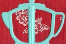 Retro Turquoise Kitchen / 1950s turquoise kitchen collectibles and decor. Be sure to visit my blog at: http://cdiannezweig.blogspot.com/