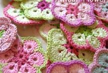 Crochet knee blankeys