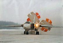Aircraft brake chutes