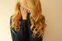 Hair & make-up / by Alexa Scott
