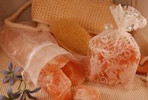 Himalayan Salt for Beauty | Inspire Me Naturally / Treat your skin to the benefits of Himalayan Salt! Salt scrubs, bath soaks and more beauty products available to purchase online at www.inspiremenaturally.com.au - AfterPay available.