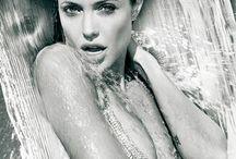 ACTRESS ● Angelina Jolie