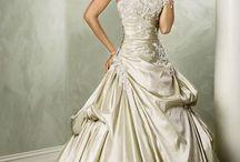 The Gown / by Jes Biz
