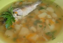 Рецепты - Первые Блюда / Первым блюдом практически в каждой семье является суп. Почему мы употребляем именно суп? Польза от первого блюда действительно очень большая, он быстро переваривается, согревает и способствует хорошему пищеварению. Любая хозяйка должна знать, как минимум 10 рецептов супов. Вы сможете выучить намного больше методов приготовления, к тому же рецепты супов с фото помогут Вам сравнить результат.