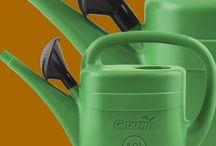 Ryggsprutor / Ryggsputor som förenklar och snabbar upp det vardagliga sprutandet och gör det säkrare (även för den som sällan sprutar) att bespruta t.ex. taket på huset. Tillbehör säljs också.