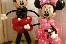 Mickey Mouse Minnie Mouse Balloon ideas / Balloon centerpieces, arches, bouquets, column ideas that look like Mickey Mouse and Minnie Mouse