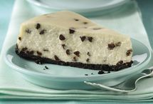 Baking/Desserts & Sweet Treats / by Robin Crowder