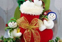 varios muñecos de nieve