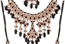 Necklace Sets on Variation In / Necklace Sets
