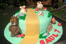 Fancy Fondant Studio Cakes / Cakes and Bakes from Fancy Fondant Studio www.facebook.com/fancyfondantstudio