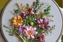 vyšívané květy