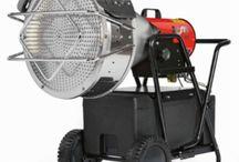 Generatori a gasolio ad infrarossi / Riscaldatori a gasolio ad infrarossi. Post-ventilazione per raffreddamento camera di combustione. Idoneo per riscaldare ambienti aperti o semiaperti.