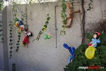 Decoración con globos para cumpleaños Alfonso V / Decoración don figuras de globos para cumpleaños infantiles. Dibujos animados hechos con globoflexia para decorar la fiesta y al final para regalar a los niños invitados. http://magomadrid.es