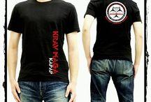 Ubiór treningowy Krav Maga Kapap / Zapraszamy do zakupu najnowszych t-shirtów, spodni i bluz University Krav Maga Poland! Dostępne są rozmiary XS, S, M, L, XL, XXL i XXXL.