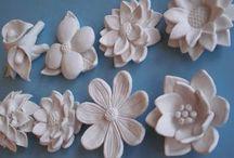 Blüten und Blätter
