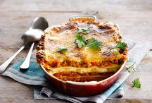 Nos recettes de lasagnes et cannellonis / Pâtes fraîches, mozzarella et sauce tomate, lasagnes et cannellonis ont un doux parfum d'Italie. Que vous les prépariez alla bolognese ou dans la version riccota épinards, découvrez nos meilleures recettes.
