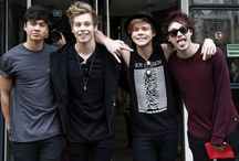 5 Seconds of Summer / 5 Seconds Of Summer is an Australian pop punk band formed in Sydney in 2011. It consists of Luke Hemmings, Calum Hood, Michael Clifford and Ashton Irwin