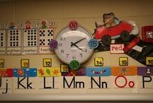 CLASSROOM SETUP & DECOR: Clocks / by Clutter-Free Classroom